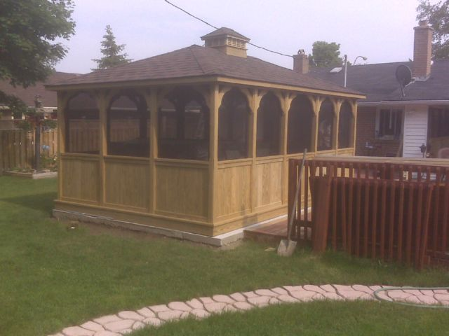 wooden rectangle gazebo